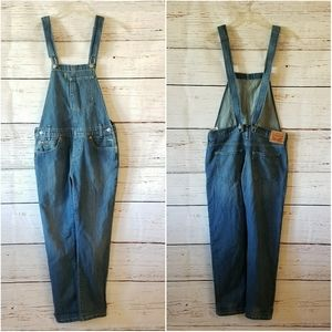 LEVI'S // relaxed faded blue overalls nwt